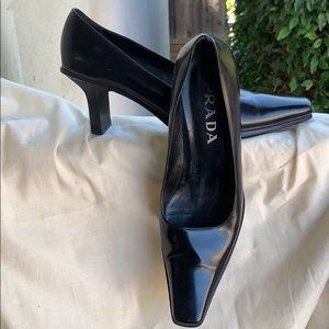 Prada classic pumps with short heel